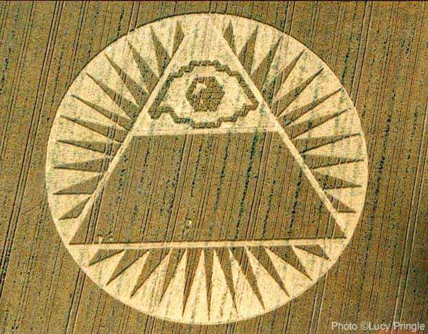 10 - Eye of Horus crop circle, boldly imaging us a message that the alien gods are not to be ignored