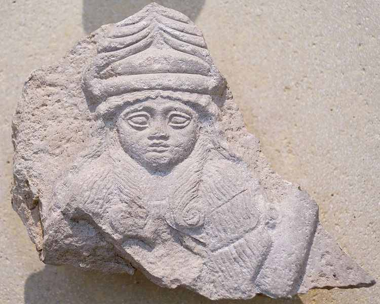 1c - Bau - Gula is the spouse & aunt to Enlil's heir, Ninurta, 1st generation of powerful gods fathered by Anu, a rare artefact of Bau's face, adorned with the horn-rimmed hat of the Anunnaki gods