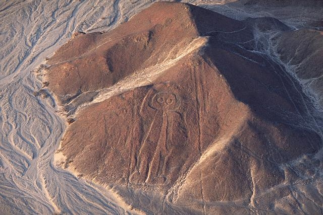 20b - Nazca Lines in Peru, no one can explain this, the locals say the star-people did it, we shouldn't listen to main-stream scientists on this matter, they totally ignore the obvious