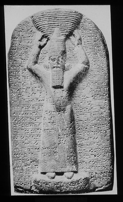 21f - Assurbanipal could read the ancient scripts, he claimed he could read & write in many languages, he knew the inportance of accurate record-keeping, he collected 30,000 texts, & countless other artefacts, & neatly placed them in his library that he built in Nineveh, thank God someone found them, & now we can read them, SEE ANCIENT KINGS & WHAT THEY HAD TO SAY WAY BACK WHEN THE GODS WALKED & TALKED WITH MANKIND