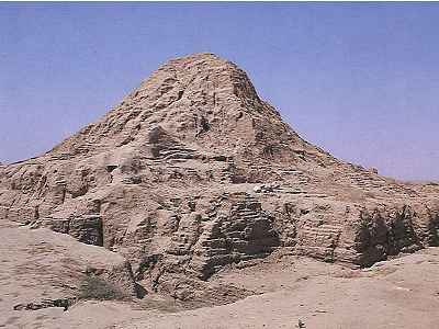 2a - Assur with man-made mountain, Ashur's mud brick-built house - temple in his city of Assur, immense, immaculate, & seen over large parts of the landscape, towering way above the earthlings below, exhibiting Ashur's dominance & power over the region, somehow it was all about power to the gods colonizing Earth