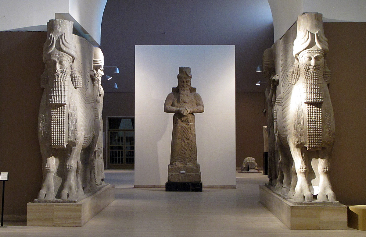 2ba - giant alien god Nabu in Nimrud with shedu on both sides of the gate, all these artefacts have shamefully been destroyed by Radical Islam, on a fools' mission attempting to hide knowledge in this day & age, when all lies can now be viewed under the light of truth, the information age is today, all those alive for the 1st time have a chance to know the truth, those who don't want to know, never will know why so many lies have we been told