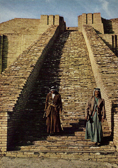 3ia - climbing the Stairway to Heaven, still standing after thousands of years, Nannar's home, easily controlled earthling traffic of those who came & went, aircraft landings on top were far out of the way of mankind below, so were the resident alien giant gods