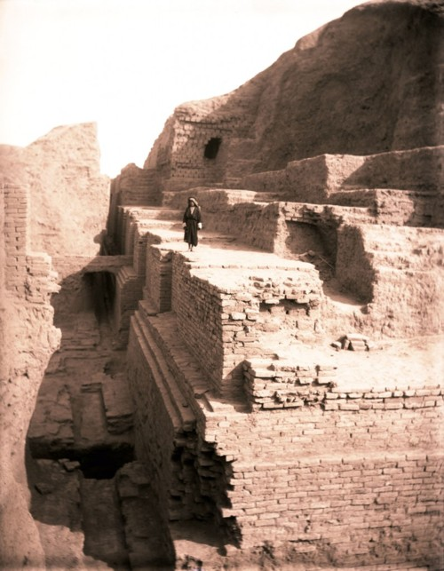 3o - Nippur's ziggurat - temple E-Kur, Enlil's city of mud brick survives after thousands of years of weathering
