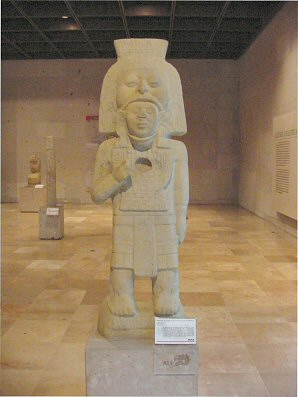 4f - Olmec in dress of the gods, Olmec's are black Africans shipped to the Yucatan by Ningishzidda, the 1st humans to inhabit So. America, as displayed by Sitchin in the Mexico City Museum