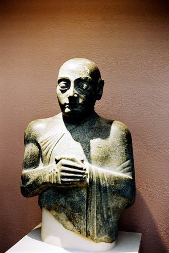 7a - Lagash high-priest & king, Gudea, mixed-breed son-king of alien goddess Ninsun, these son-kings were protected by the gods, power was given to them & taken away from them by the gods