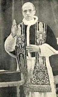 7a - Pope Pius XXII wearing Nibiru symbols, Anu's 8-pointed star symbol used by religions to depict God