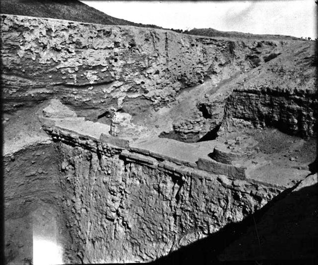 8f - part of Marduk's enormous mud brick-built temple - house in Babylon, 1909 excavations, the gods built in security, placing themselves mountain-high above the city & its earthlings, with long defendable staircases & very high walls, after all, they knew they are mortal, not immortal gods as they led man to believe