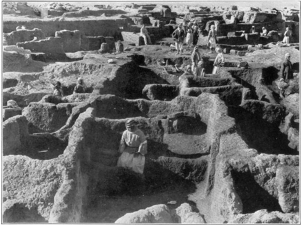 4b - Nippur as it was in 1967, artefacts discovered in the Nippur excavations, Mesopotamian artefacts today are being destroyed by Radical Islam, trying to eliminate any ancient evidence that contradicts the words of their prophet