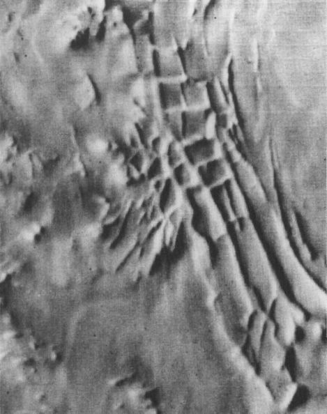 unusual structures on planet Mars, evidence of the Anunnaki way-station they built on Mars