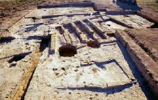 4g - Eridu ruins, excavations produce artefacts of all types, giving us a good look at Earth's 1st civilization
