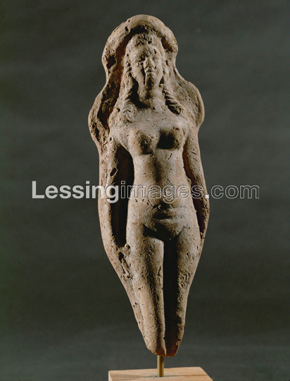 2q - figurine of the young Goddess of Love, Inanna