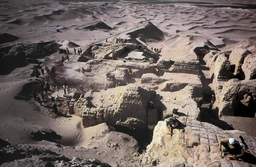 Nippur appx 1948, decades of excavations discovering artefacts from thousands of years ago, artefacts that today are shamefully being destroyed by Radical Islam