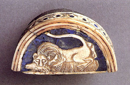 "14b - Ur artefact, gold & lapis-lazuli make-up box, valuable artefacts from Ur, the Anunnaki atmosphere was badly damaged over many of their years, as they declared war upon each other nation until finally they created a ""one world order"" with a royal bloodline king to rule their world, they brought that custom to Earth Colony with them"