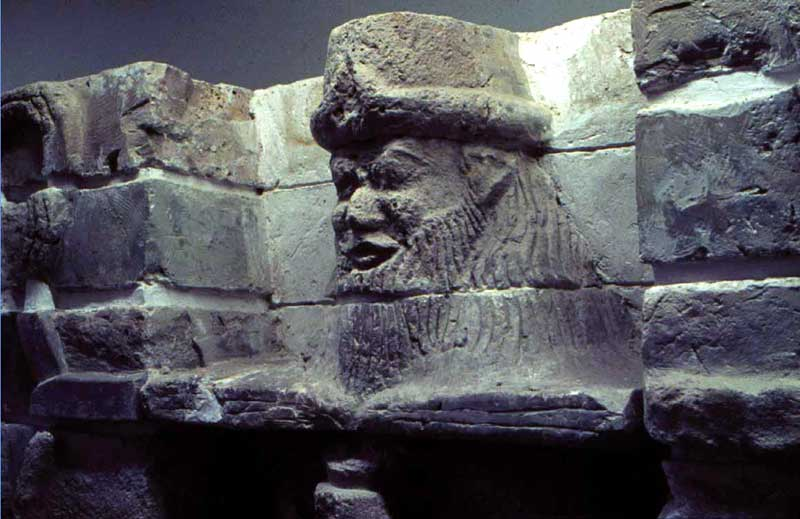 1f - giant mixed-breed Uruk kings heads carved into the city walls of ancient Uruk, the face of a giant mixed-breed offspring of the gods, a time in our long forgotten past, when the sons of god(s) came down to Earth, & had sex with the daughters of men, SEE BIBLICAL GENESIS 6:4 TEXT