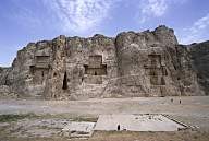 4b - three tombs of Persian Dynasty kings, descendants of the giant mixed-breed offspring of the alien gods, Cyrus the Great, made king & protected by the alien gods