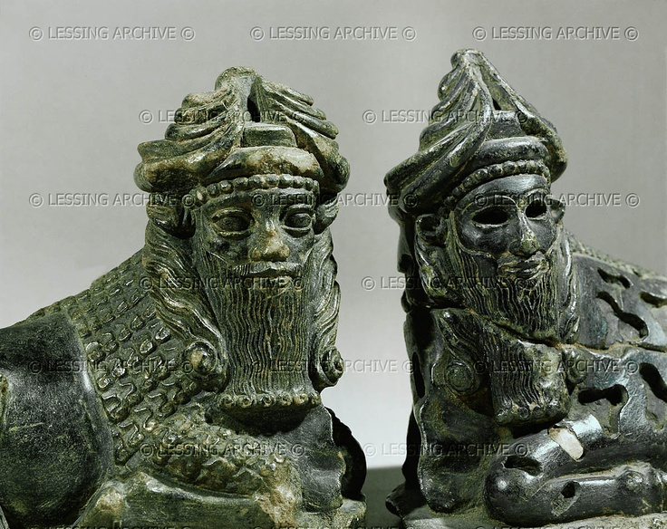 Lagash artefacts of alien gods displayed with animal bodies, sphynx