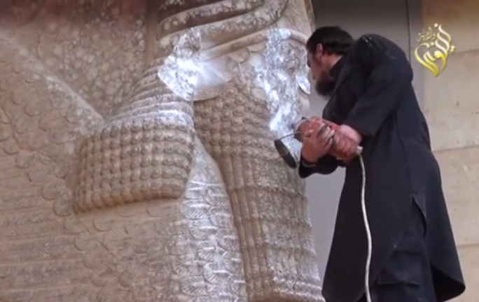 Islamic state smashes ancient artifacts in Nimrud