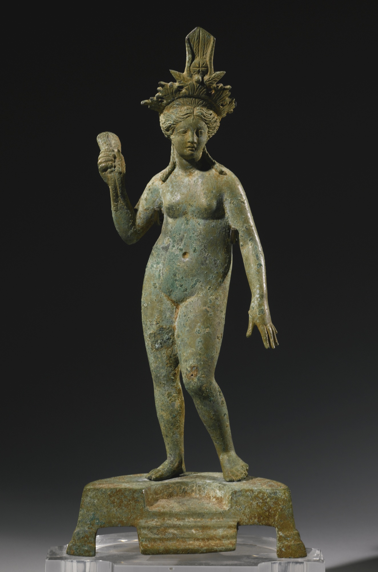 naked Inanna depicted many ways, 8-pointed star of Venus on her headdress