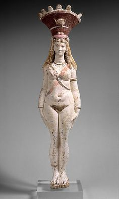 Inanna depicted in nude statue