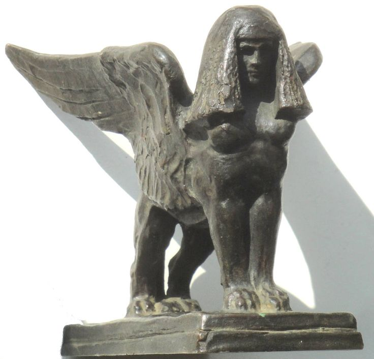 29 - winged Inanna lion sphynx